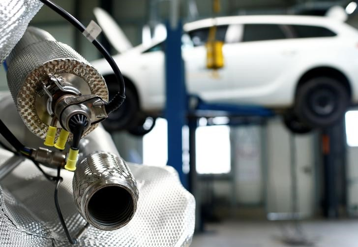 FILE PHOTO: A market ready particulate filter retrofit system for passenger cars to avoid diesel emission is pictured in a garage of German exhaust aftertreatment technology group Baumot in Witten, Germany, March 7, 2018. REUTERS/Thilo Schmuelgen