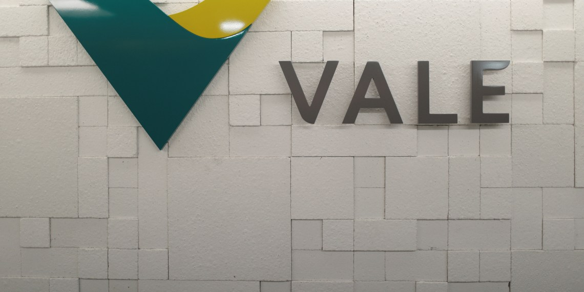 The logo of Vale SA is pictured in Rio de Janeiro, Brazil, August 7, 2017. Picture taken August 7, 2017. REUTERS/Ricardo Moraes