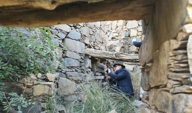 The Italians visited the region and toured Rijal Alma in Asir. (SPA)