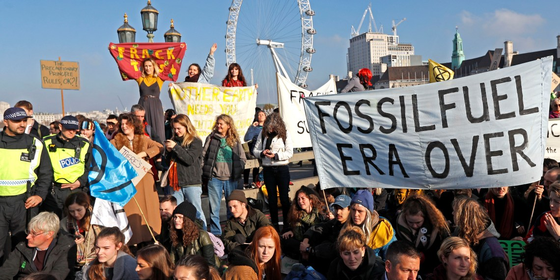Environmental campaigners from the direct action group Rebellion demonstrate on Westminster Bridge in central London, Britain, November 17, 2018. REUTERS/Peter Nicholls