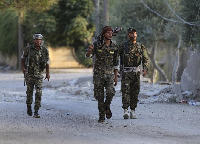The Daesh group is fighting to hang on to its last enclave in Syria, engaging in deadly battles with US-backed forces in the country's east near the Iraqi border. (File/AP)