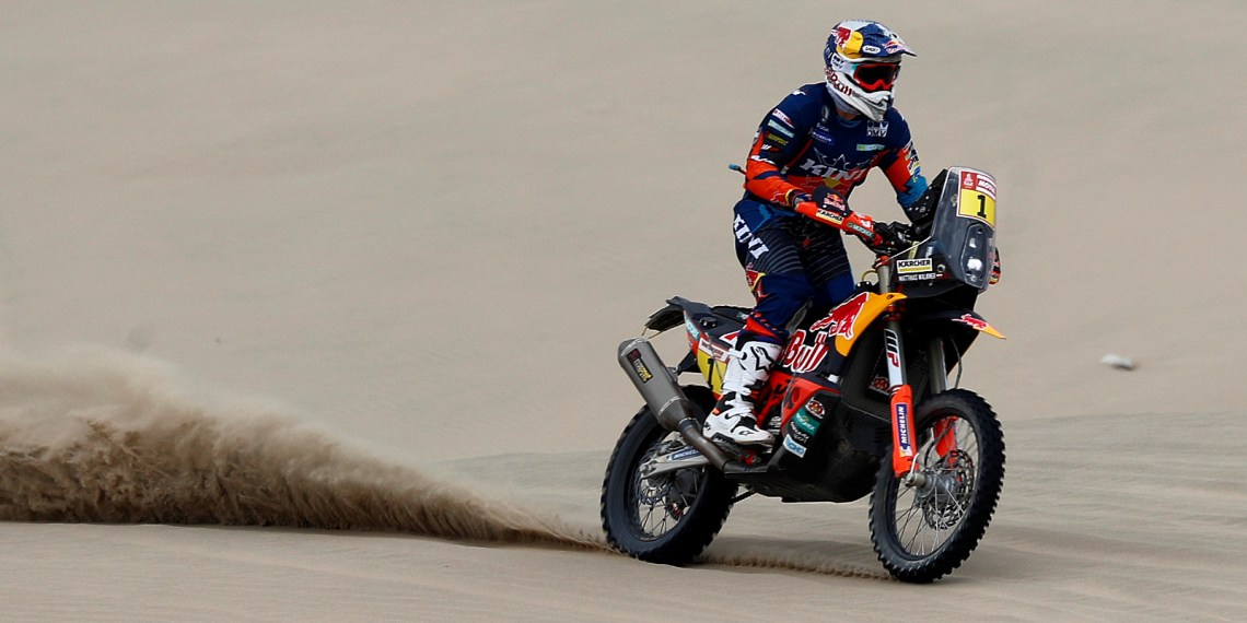 Dakar Rally - 2019 Peru Dakar Rally - First stage from Lima to Pisco, Peru - January 7, 2019 KTM Factory Racing's Matthias Walkner in action during the race REUTERS/Carlos Jasso