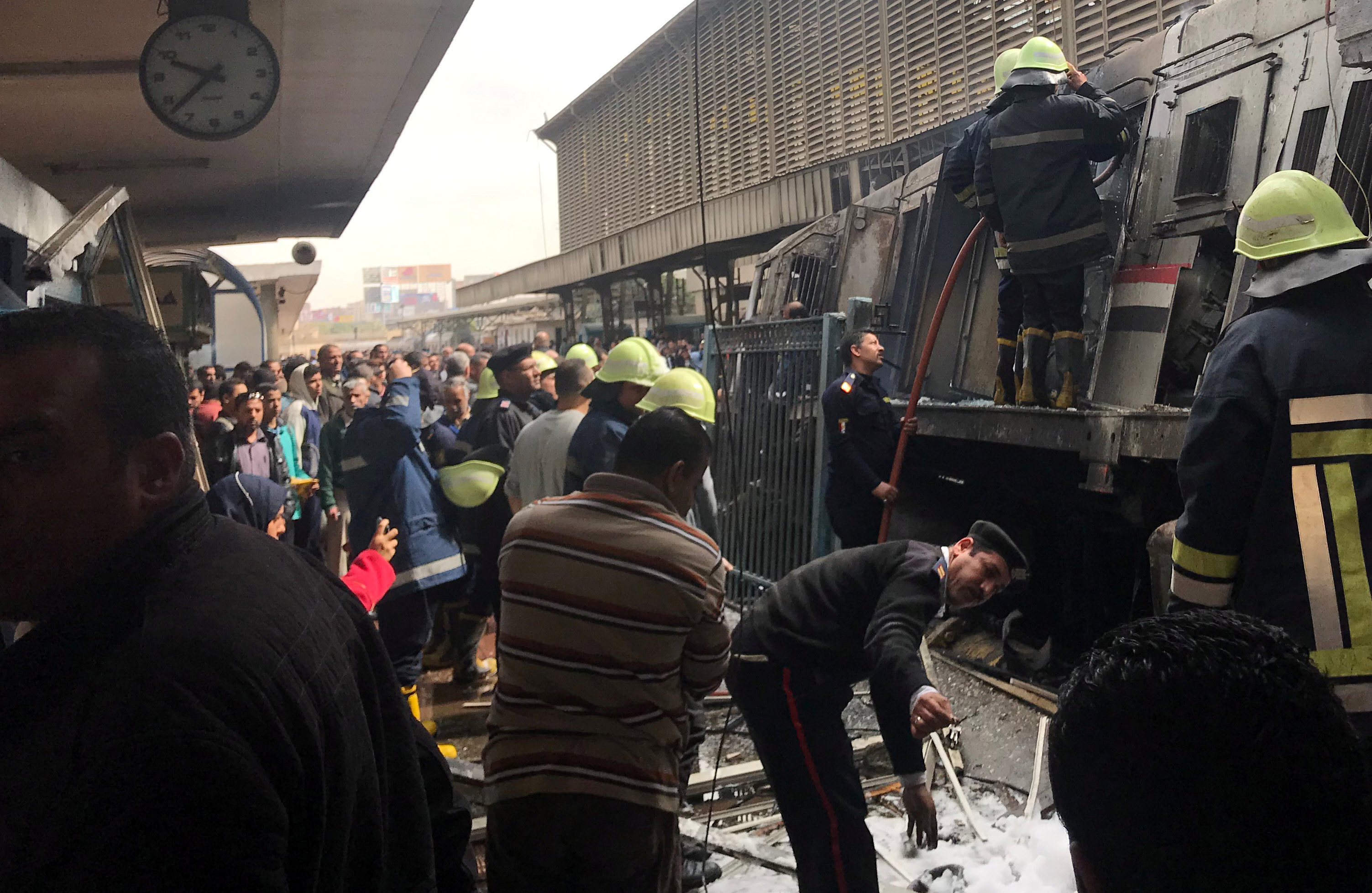 Dozens killed and injured in crash and fire at Cairo train station - Middle  East Affairs