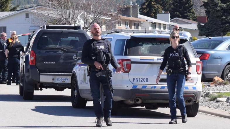 Royal Canadian Mounted Police officers at a shooting scene in Penticton, British Columbia, on April 15, 2019. (Reuters)