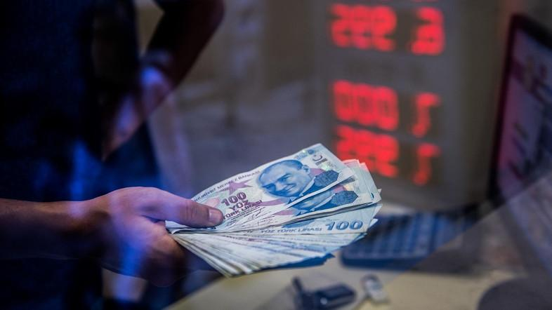 Last year, the lira lost nearly 30 percent against the dollar on concerns over the independence of the central bank and worsening ties with Washington. (File photo: AFP)