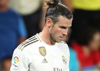 Gareth Bale was sent off for two yellow cards in stoppage time of Real Madrid's 2-2 draw with Villarreal