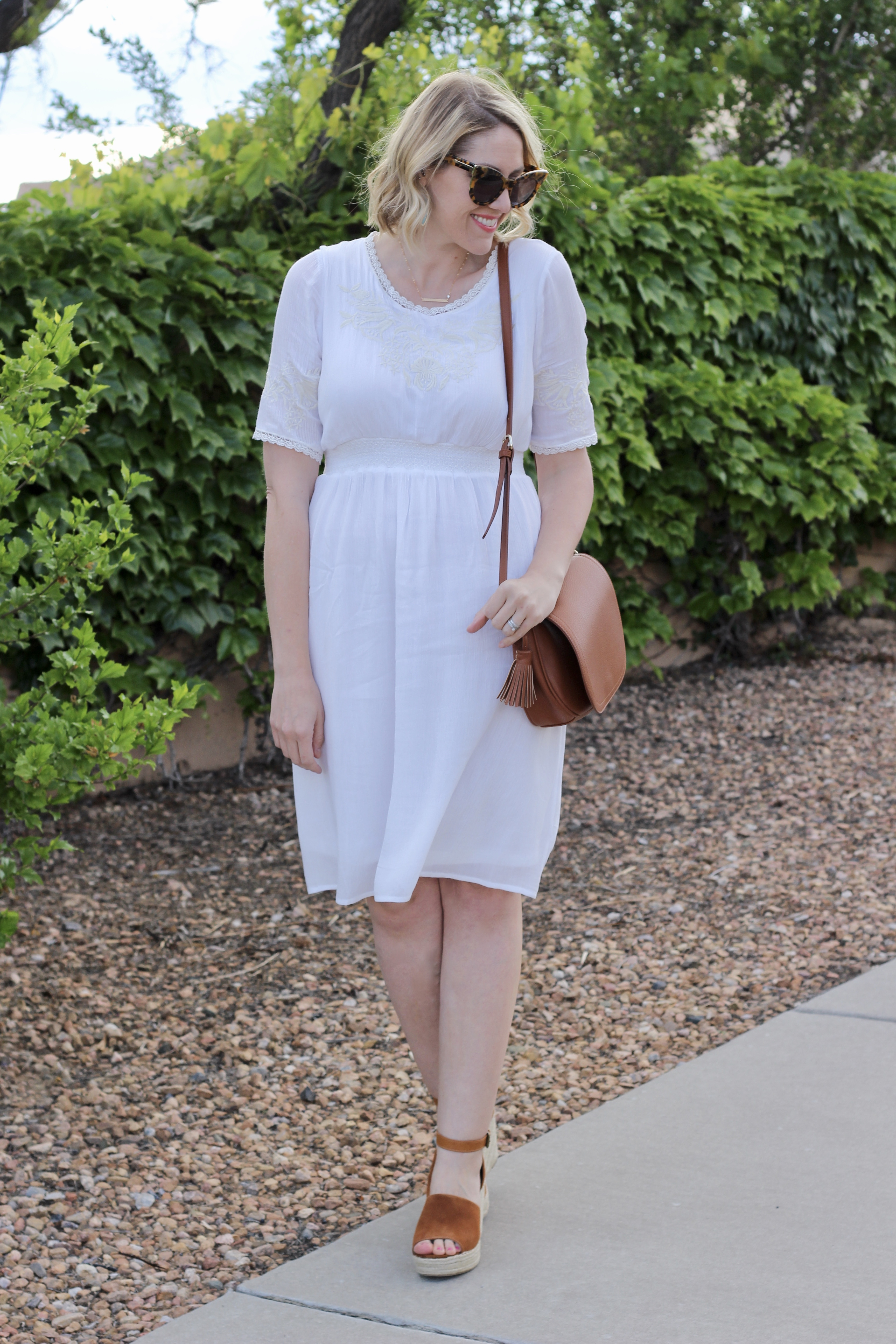 casual white dress outfit