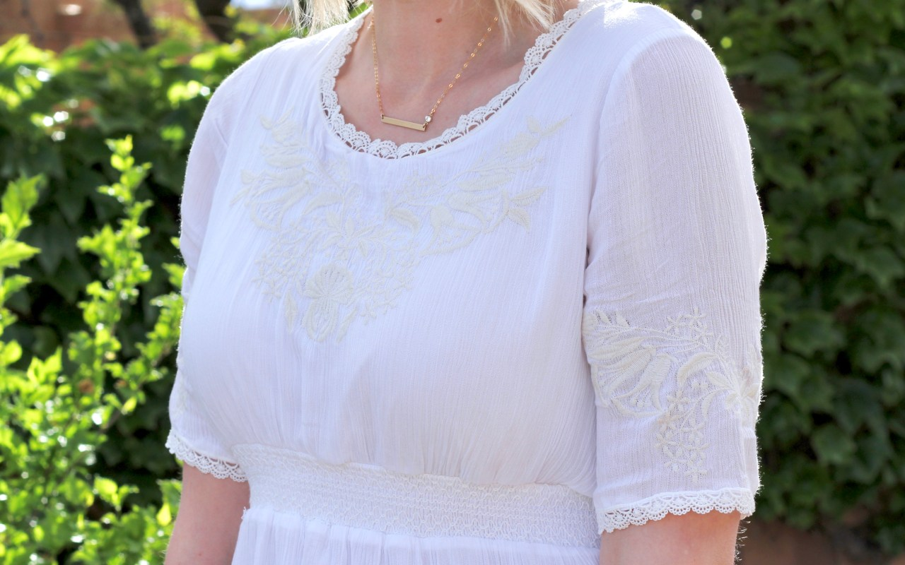 Little White Dress + The Weekly Style Edit Link Up
