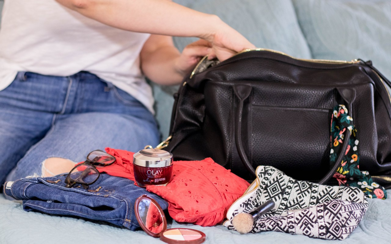 How to Minimize Your Beauty Bag for Summer Travel
