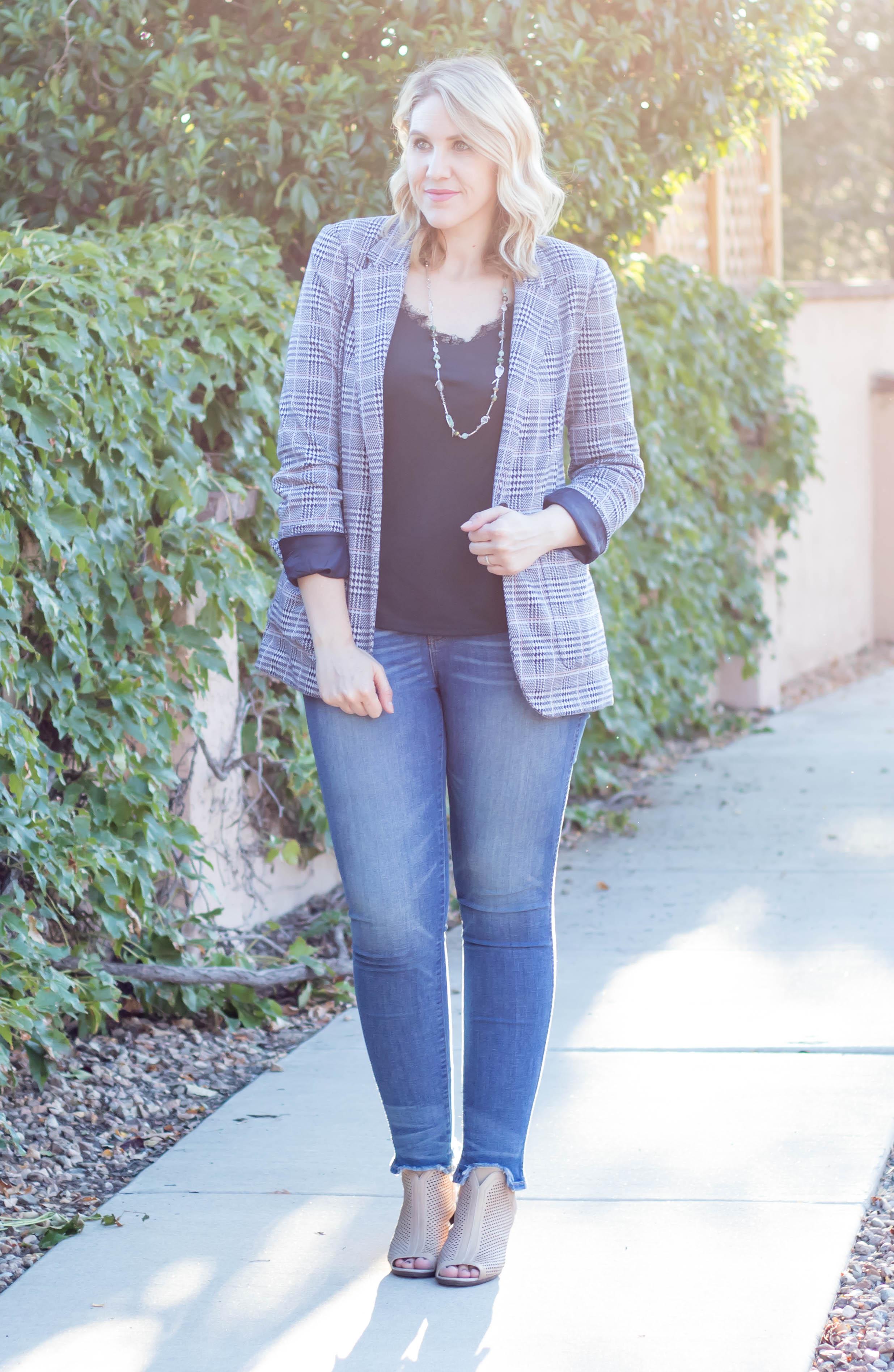 plaid blazer for fall #denim #falloutift #jeansoutfit #blazer