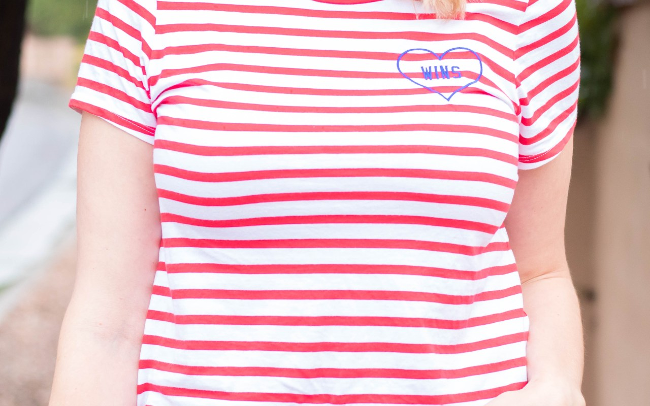 graphic striped tee old navy #lovewins #oldnavystyle #fallfashion #momstyle