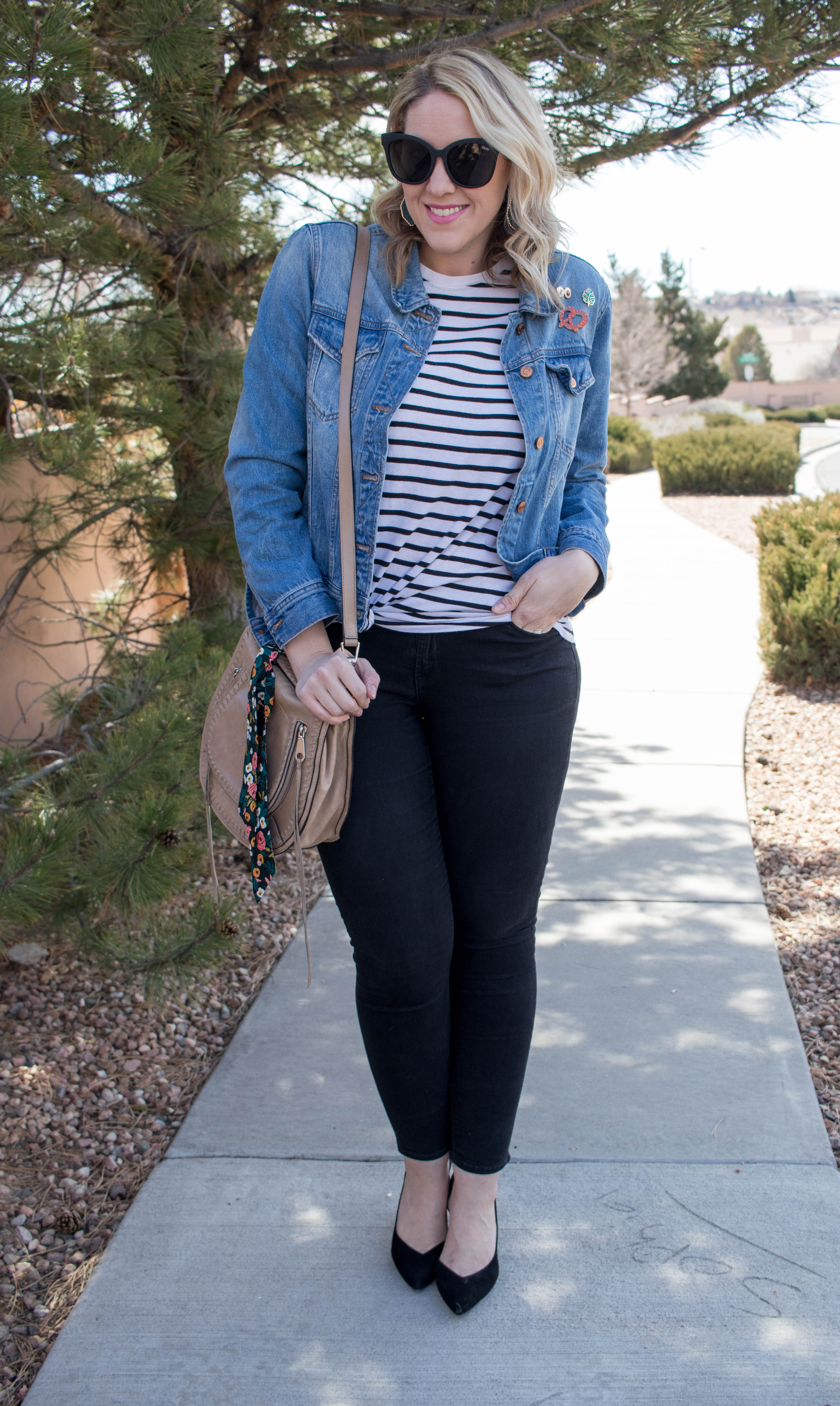spring to winter transitional style #denimjacket #casualstyle #streetstyle