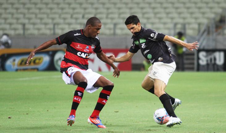 O atacante Magno Alves foi muita marcado e não conseguiu marcar diante dos goianos