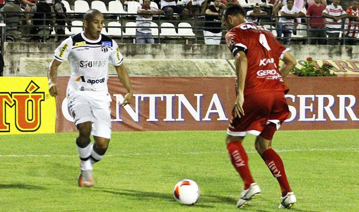 Rafael Costa marcous duas vezes e chegou aos seis gols com a camisa do Ceará