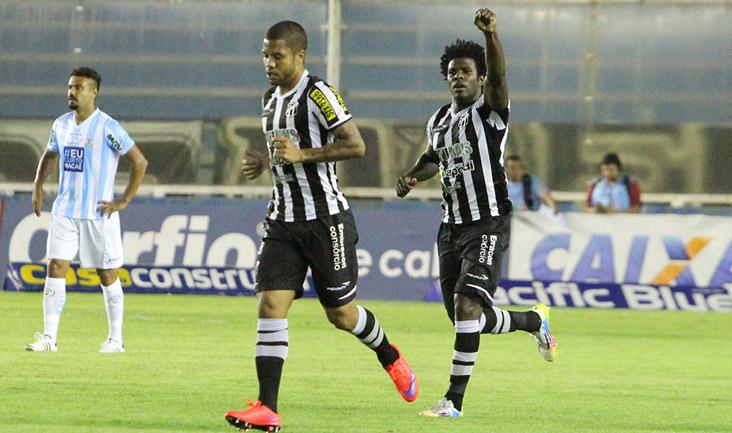 O zagueiro Sandro teve grande atuação e abriu o placar no Estádio Moacyrzão