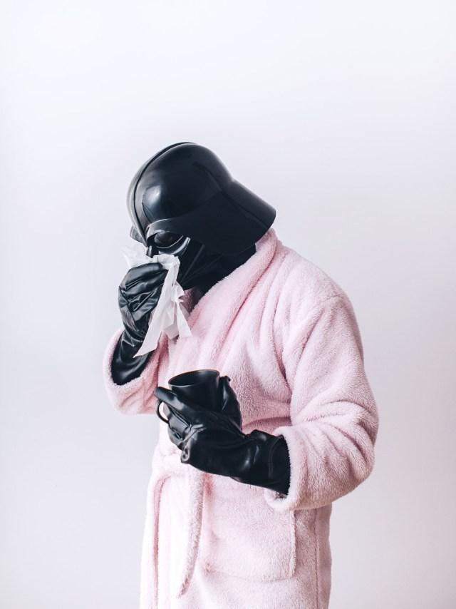 e7f34403d04423a229637c1e0e1faeec Fotografo retrata o dia a dia banal de Darth Vader
