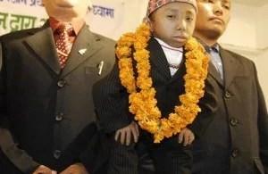nepales - Foto da menina e o abutre de 1993