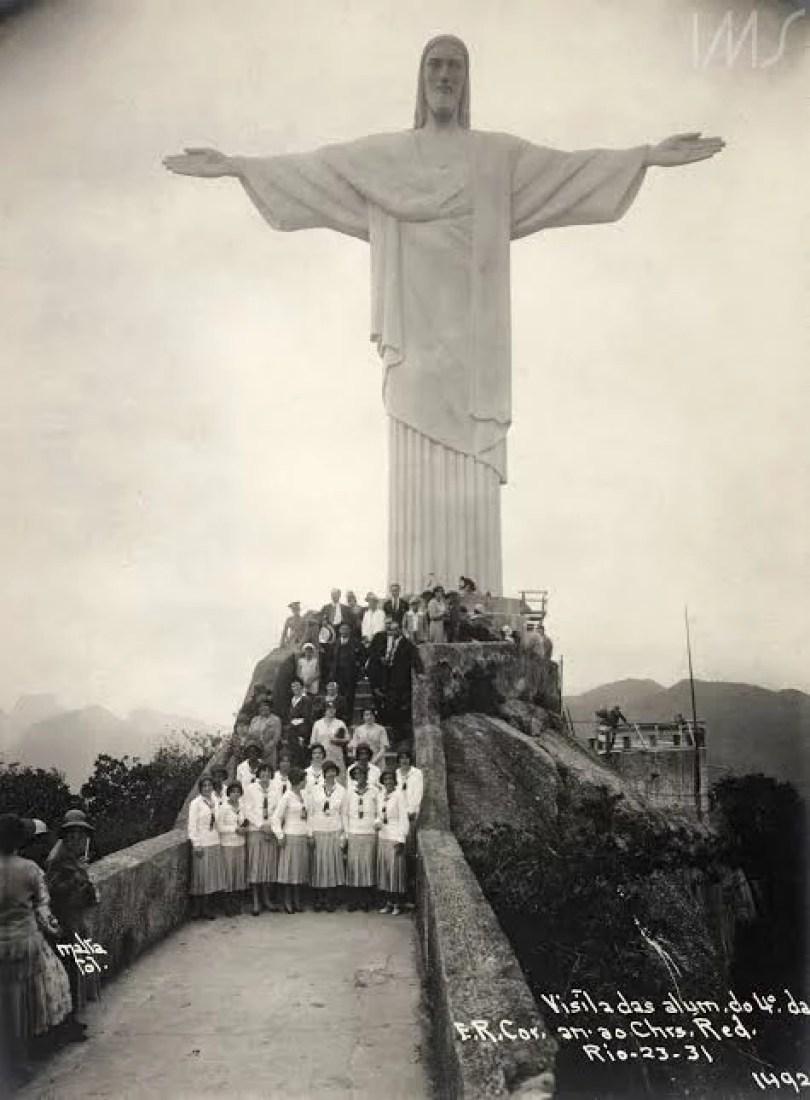 foto rara doc rtisto redentor rio de janeiro - Em 2021 Cristo Redentor faz 90 anos! Afinal foi um presente da França para o Brasil ou não?