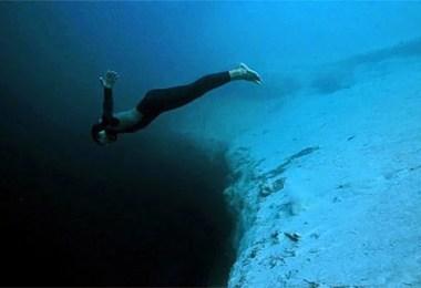 Fotos, Curiosidades, Comunicação, Jornalismo, Marketing, Propaganda, Mídia Interessante deans_blue_hole_4 Vídeo de menos de 2 minutos super Interativo sobre a profundidade do Mar Curiosidades  Vídeo de menos de 2 minutos super Interativo sobre a profundidade do Mar