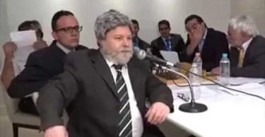 presidente gula Alexandre Porpetone  - Paródia - Eduardo e Mônica (Eduardo Cunha) Castro Brothers
