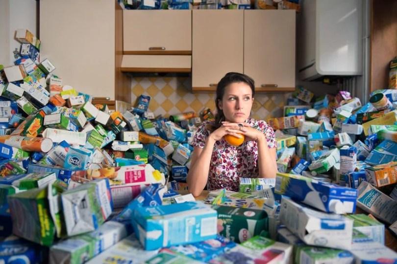 4 years trash 365 unpacked photographer antoine repesse 4 594910d03a8f6  880 - Homem acumulou seus lixos recicláveis durante 4 anos