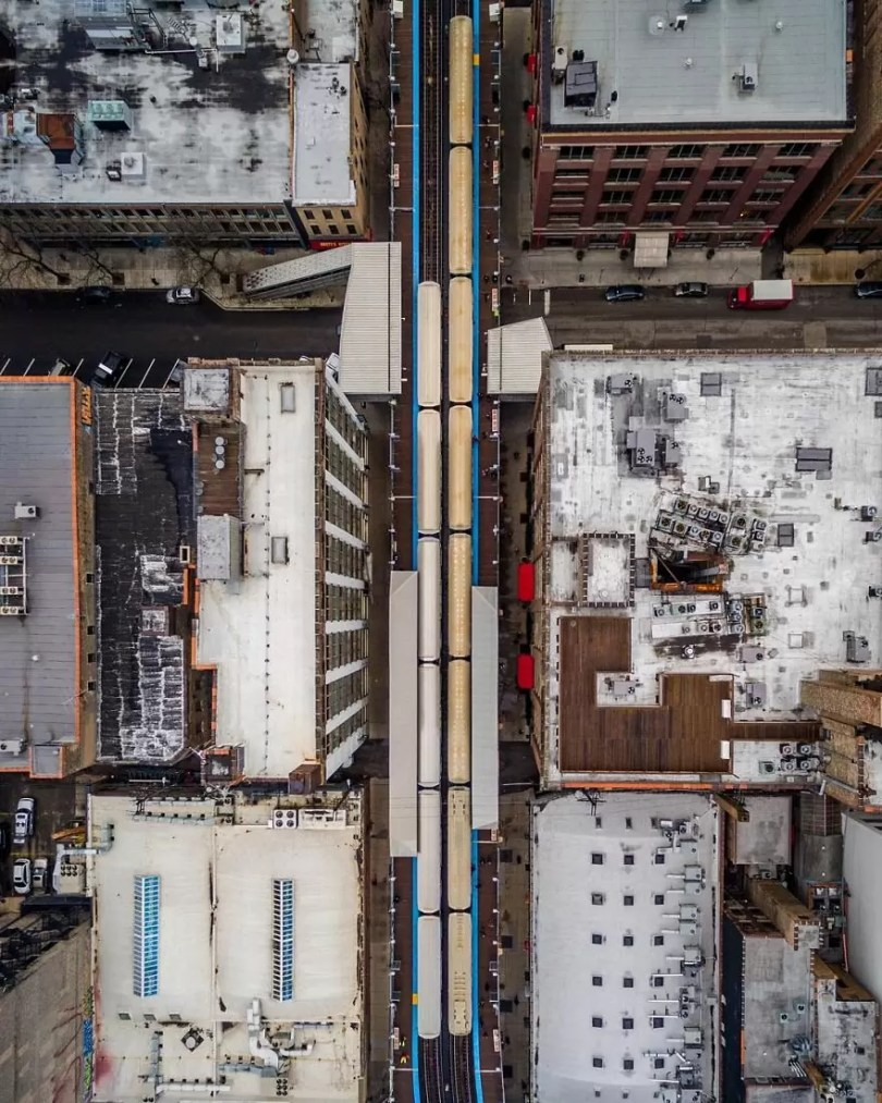 drone 7 Chicago From Above Awesome Bumblebee Photograph by Razvan Sera 5922d39a3685a  880 - Chicago e as novas perspectivas do olhar humano por Drones