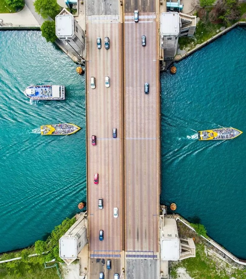 drone 9 Chicago From Above Awesome Bumblebee Photograph by Razvan Sera 5922d4ad1da45  880 - Chicago e as novas perspectivas do olhar humano por Drones