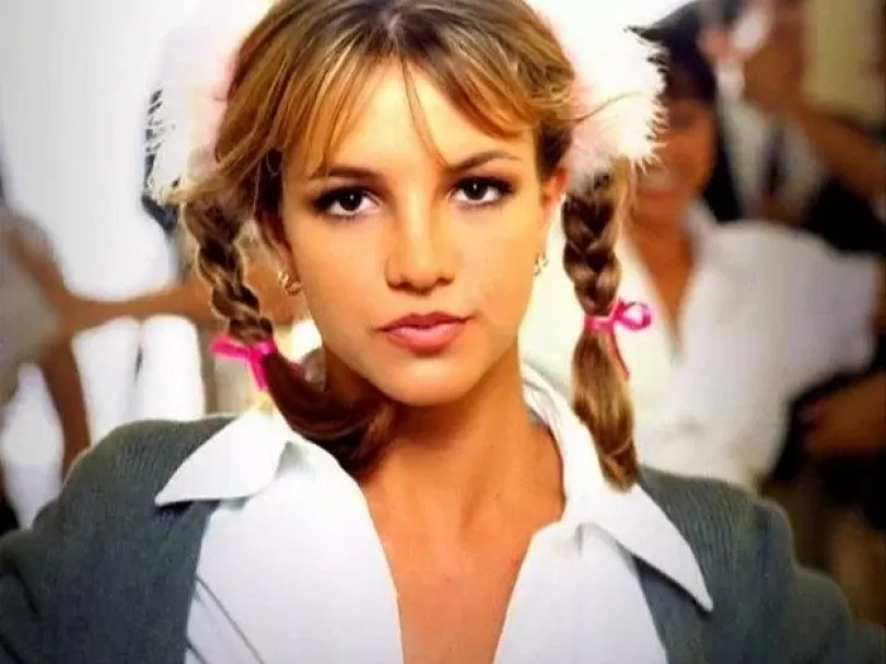 """britiney spears aos 17 anos 9 - Britney Spears aos 17 anos ensaia """"...Baby One More Time"""""""