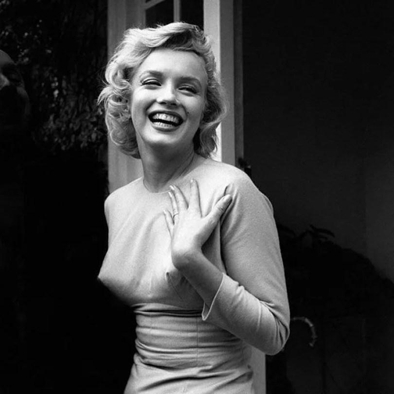 bullet bra fashion vintage sutiã cone moda mulheres anos 1940 1950 12 - Beleza da Mulher nas décadas de 40 e 50 e os sutiãs de bicudos