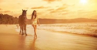 cavalos selvagens fotos profissionais 15 - Beleza da Mulher nas décadas de 40 e 50 e os sutiãs de bicudos