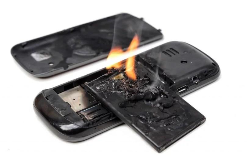 celular sem bateria bateria pegando fogo - Protótipo permitirá celular sem bateria