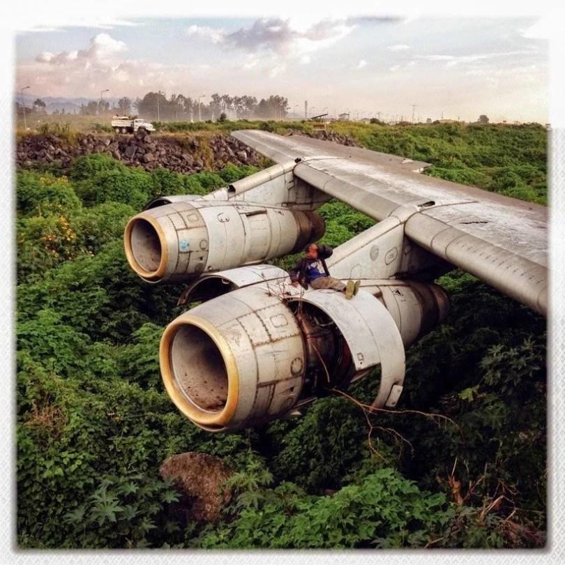 helicópteros e aviões abandonados 23 - Imagens de helicópteros e aviões abandonados