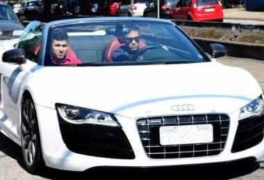Fotos, Curiosidades, Comunicação, Jornalismo, Marketing, Propaganda, Mídia Interessante Neymar-Jr.-Driving-Audi-R8 [Infográfico] Quanto ganha Neymar por segundo? Cotidiano Curiosidades  Quanto ganha Neymar