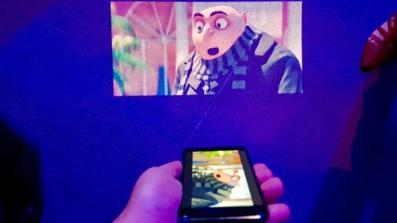 quantum V 1 - O futuro dos projetores no celular