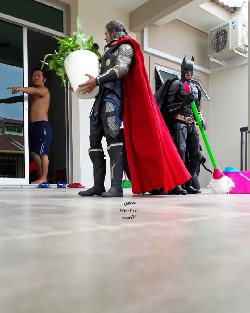 jogo de camera 2 - Homem tira fotos com super-heróis - Genial e engraçado!