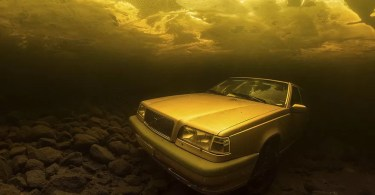 Vencedores do concurso-carro-no-lago-no-fundo-do-mar-embaixo-dagua-enchente-photography-winners-underwater-photographer-of-the-year-contest-2018-11.png