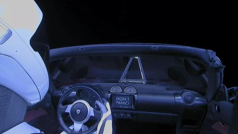 """starman roadster tesla2 - Onde está atualmente o Tesla Roadster com o """"Starman"""" no espaço?"""