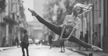 bailarina de rua - Primeiras imagens do Costa Concordia depois de ser resgatado em 2014