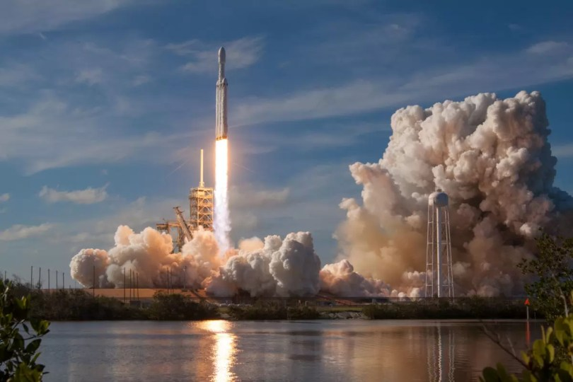 falcon heavy space x launch 8b - Onde rever ao lançamento noturno do Falcon Heavy?