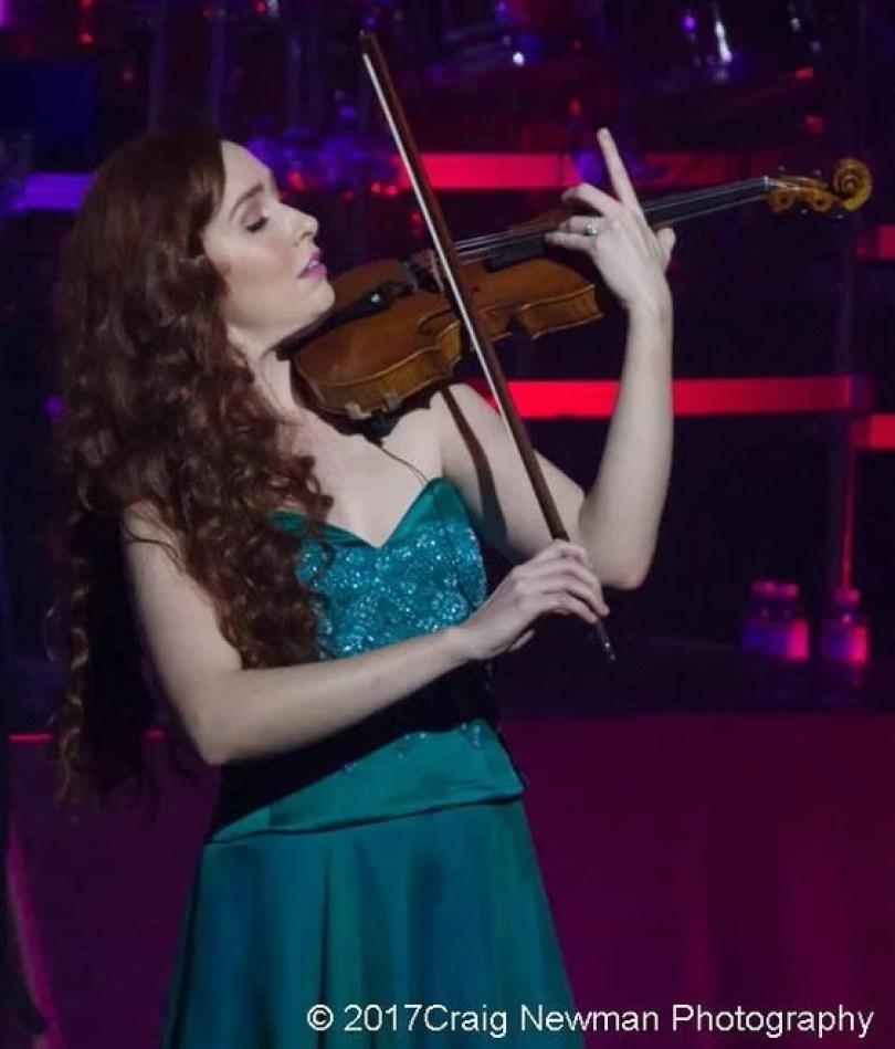 Tara McNeill6 - Celtic Woman: O quarteto Irlandês formado por mulheres talentosas