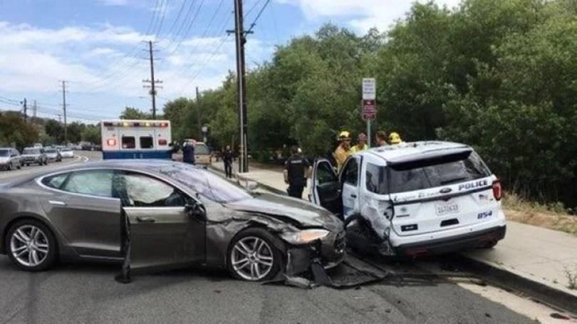 piloto automatico - Já é comum ver motoristas Tesla dormindo ao volante no piloto automático