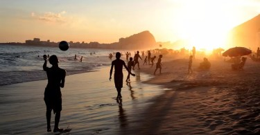 rio estrangeiros visitando o Brasil - As melhores aberturas originais de desenhos animados de todos os tempos