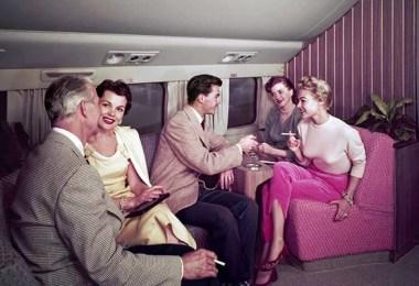 voando de aviao fumar fumando dentro do aviao - Voando na primeira classe na década de 60