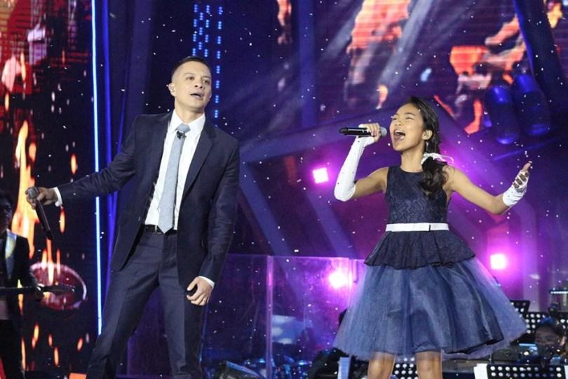 "Carmelle Collado 3 - Relembre: The Voice Kids Filipinas dupla faz releitura linda de ""Leti it Go"""