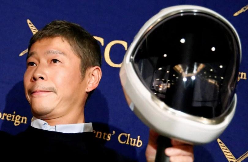 japonesnalua - Bilionário Japonês que vai pra Lua quer doar 9 mil dólares a seguidores sortudos!