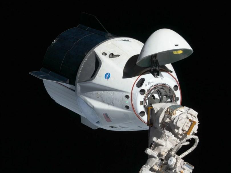 Crew Dragon acoplamento na ISS - Reveja o lançamento SpaceX/NASA dos americanos na Crew Dragon