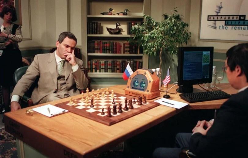O Gambito da Máquina O que aconteceu na partida da discórdia entre Kasporov e o computador3 - O Gambito da Máquina: O que aconteceu na partida do século entre Kasparov e o computador?