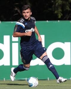 Victor Luis é uma das opções de Oswaldo para a vaga de Zé Roberto. Foto: Cesar Greco/Ag. Palmeiras/Divulgação