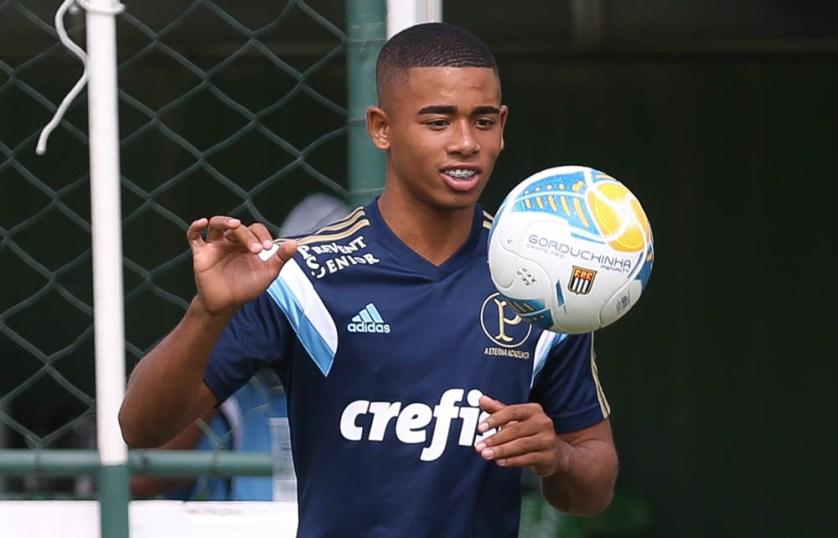 Gabriel é uma das maiores promessas da base do Palmeiras nos últimos anos (Cesar Greco/Ag Palmeiras/Divulgação)