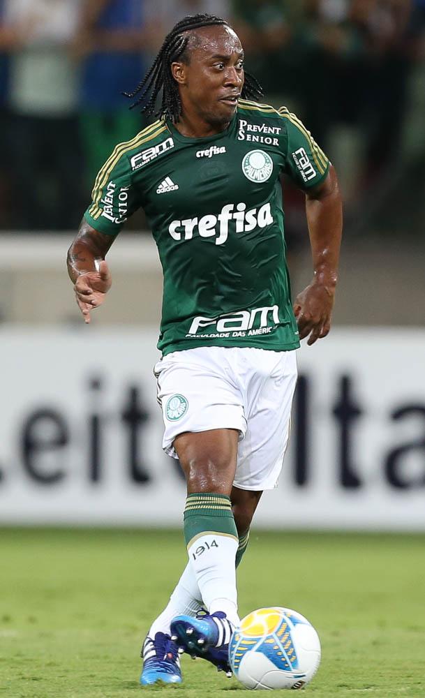 Além de se destacar em campo, Arouca tem liderado a venda de camisas nas lojas oficiais. (Cesar Greco/Ag. Palmeiras/Divulgação)